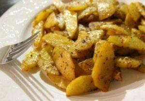 Лесна рецепта за картофи на фурна с подправки